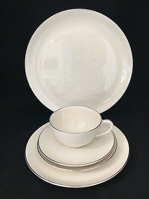 Pickard Damask 5 Piece Place Setting Ivory with White scrolls