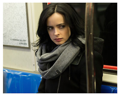 GLOSSY PHOTO PICTURE 8x10 Jessica Jones Serious In The Bus