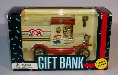 1993 GOLDEN WHEEL Limited Edition PEPSI COLA Truck Gift Die Cast Bank w/ Key NIB