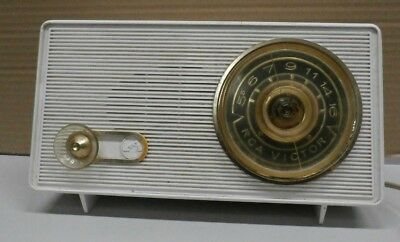 Vintage RCA Victor Tube Type Radio Model 1X1E- Works