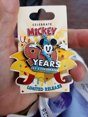 Disney Pin Celebrate Mickey Mouse 90 Years pin