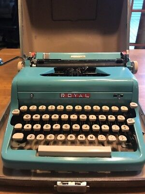 Royal Quiet Deluxe Portable Typewriter Teal (Turquoise Blue)