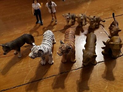 Lot Of Schleich Animal Lot Wild Cats, + wolf and 2 Vets