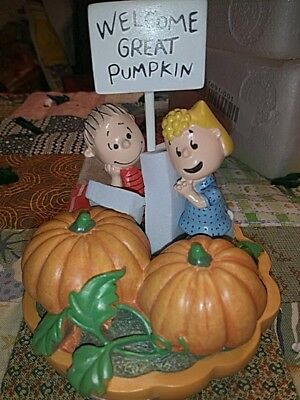 "Hawthorne Village Peanuts snoopy Halloween RARE #d ""Awaiting the Great Pumpkin"""