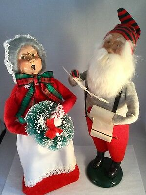 Byers Choice Carolers Santa and Mrs Claus