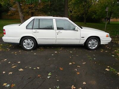 1997 Volvo 960  VOLVO 960/S90 1997 clean, but needs work or for parts