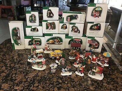 Dept 56 Christmas In The City Lot Of 14 Accessory Pieces