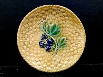 ANTIQUE c 1880 MAJOLICA BASKET WEAVE WITH BLACKBERRIES BUTTER PAT DISH (#3)