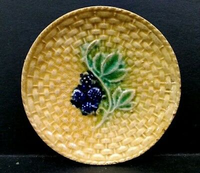 ANTIQUE c 1880 MAJOLICA BASKET WEAVE WITH BLACKBERRIES BUTTER PAT DISH (#2)