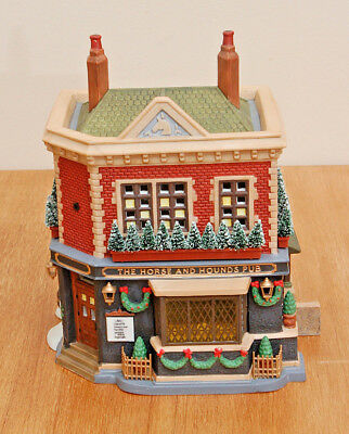 Dept 56 - Dickens VIllage - 'The Horse and the Hounds Pub - 58340 - New