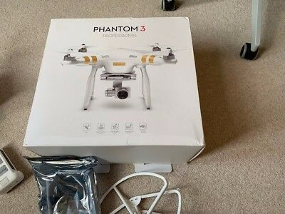 Complete DJI Phantom 3 professional with 4K Camera 2x batteries