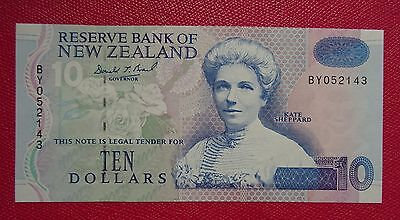 NEW ZEALAND TEN ($10-) DOLLARS PAPER BANKNOTE   Serial#BY052143   Uncirculated