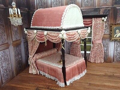 Dolls House 1-12th scale Miniature Domed Four Poster Bed