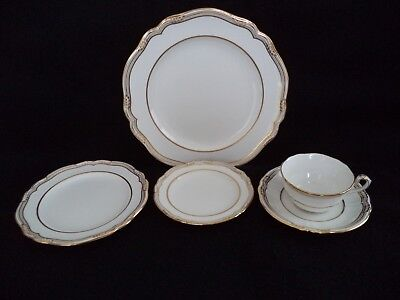 Spode china Sheffield 5pc place setting plates gold on white R568-10 available