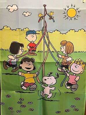 Snoopy and Peanuts Gang ~ May Day Flag Pole Willabee & Ward Large Flag