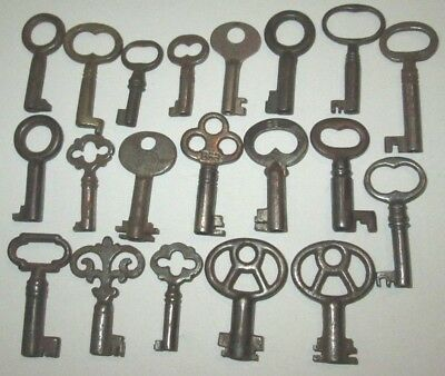 Lot Of 20 Vintage Small Open Barrel Skeleton Keys Music Box Key Cabinet Jewelry