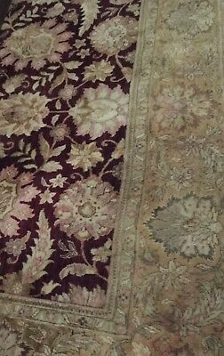 persian rug 9' x 12', Cranberry and Gold in excellent condition