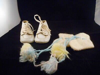 Vintage 1960s Baby Doll Toddler Leather White Shoes Size 1 Knitted Booties