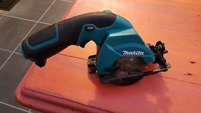 Makita 10.8v circular saw HS300D