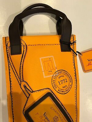 VEUVE CLICQUOT PRIORITY  (CARRY  BAG COOLER )   NEW NO champagne Included