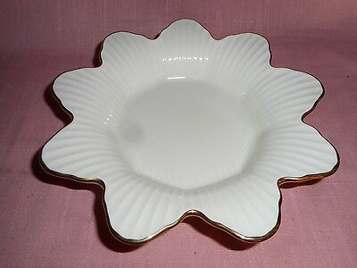 """Lenox 'MERIDIAN' 7 5/8"""" Open Candy Dish w/Scalloped Ribbed Bowl 24 kt Gold"""