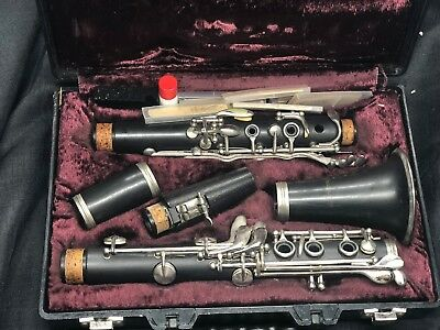 ARMSTRONG 4001 Bb CLARINET MADE IN USA WITH HARD CASE STUDENT PIECE