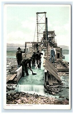Postcard Cleaning up on a Cold Dredge gold mining  G9