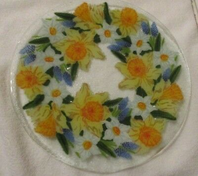 "Peggy Karr Fusion Glass 11"" Plate Daffodils With Box"