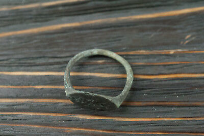 Ancient bronze ring with engraved Greek-Scythian, c.5th-4th century BC Authentic