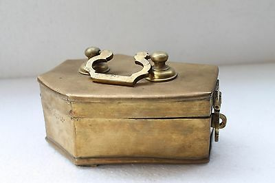 Antique Old Brass Handcrafted Mughal Islamic Heavy Betel Nut Pan Dan Box NH3218