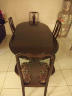 Henredon dining room set With 4 Chairs