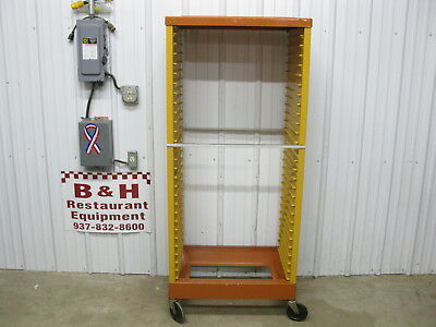 """Rubbermaid Max Rack Closed Sides Mobile 18"""" x 26"""" Sheet Pan Bakery Rack 3414"""