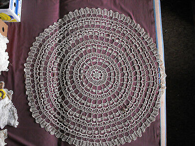 #1220  Beautiful Vintage Hand Made Tablecloth  120cm/(47'')
