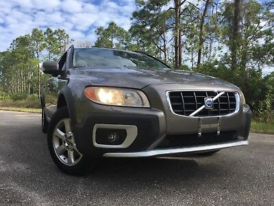 2009 Volvo XC70 Premium winter Cross County's 2009 Volvo XC70,AWD,Premium Winter package,Florida kept,125k,drives like new!!