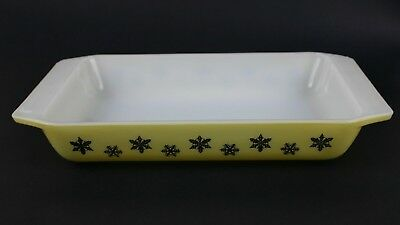 Pyrex Snowflake Yellow and Black Spacesaver