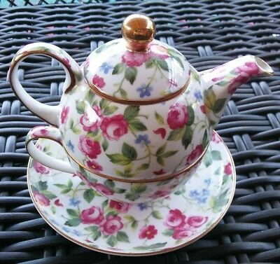 Ganz Tea for One Teapot with Roses