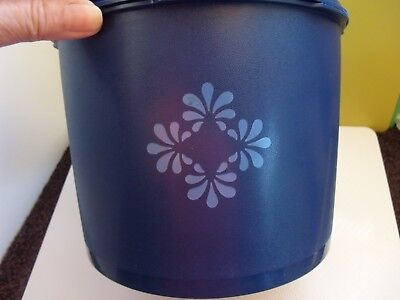 Tupperware Vintage Cookie Canister Blueberry Blue 17 Cups Very Nice