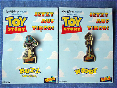 2 Pins Toy Story - Woody -  Buzz - Walt Disney Pictures Videos