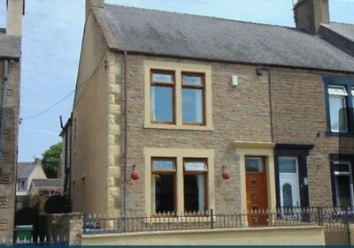 4 bedroom end terraced house with garage and garden