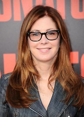 GLOSSY PHOTO PICTURE 8x10 Dana Delany Posing Haapy With Glasses