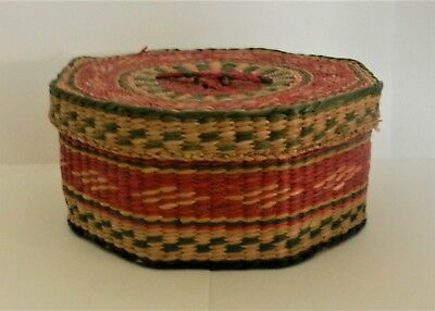 VINTAGE - Chinese Sewing Basket with Lid - Hand Woven Basket - Red Green Natural