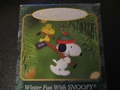 Hallmark Keepsake WINTER FUN WITH SNOOPY 2000 Hockey #3 Christmas Ornament-NIB