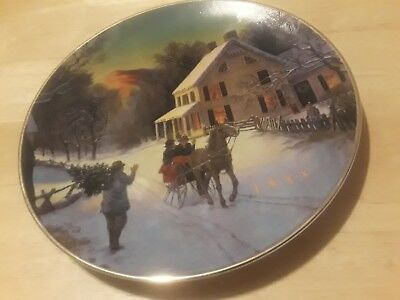 Avon 1988 Christmas plate Home for the Holidays porcelain trimmed in 22K gold