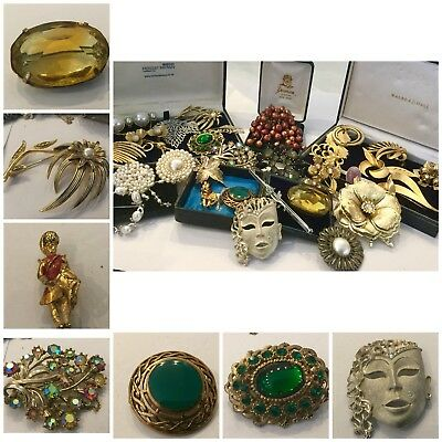 Large Job Lot Vintage Art Deco  Jewellery Brooches,Signed HOLLYWOOD x30