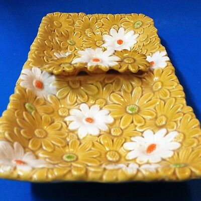 Embossed Daisies - Retro Kitsch Ceramic Divided Serving Dish / Plate -  29x15cm