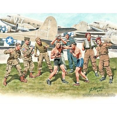 FRIENDLY BOXING MATCH.BRITISH AND AMERICAN PARATROOPERS 1//35 MASTER BOX 35150 DE