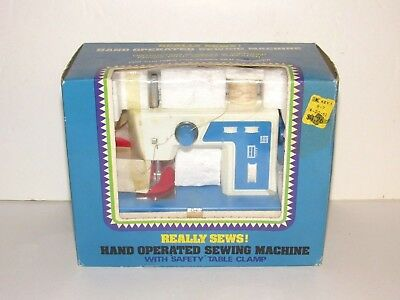 VINTAGE UNIVERSAL STANDARD Sewing Machine Model KTB 4040 PicClick Simple Cheap Sewing Machines Kmart
