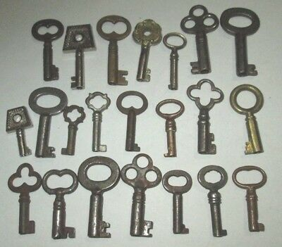 Lot Of 22 Vintage Small Open Barrel Skeleton Keys Music Box Key Cabinet Jewelry