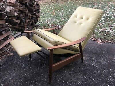 Mid Century Modern Milo Baughman Recliner; Thayer Coggin, James Inc Lounge Chair