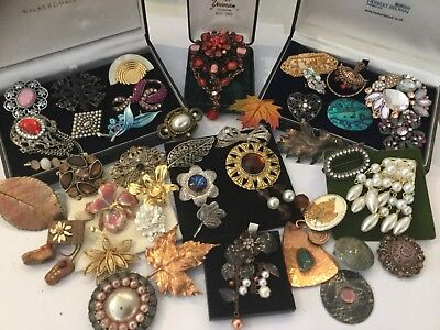 Large Job Lot Vintage Jewellery Brooches Signed ,Cabochon,Aurora Borealis, Pearl